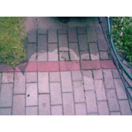 widoczna różnica powierzchni po czyszczeniu środkiem REINIT-A (dół zdjęcia) i przed czyszczeniem (góra zdjęcia)